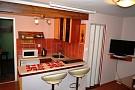 Domček - z obývačky cez kuchynku do spálne