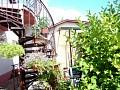 Točité schody, domček, posedenie